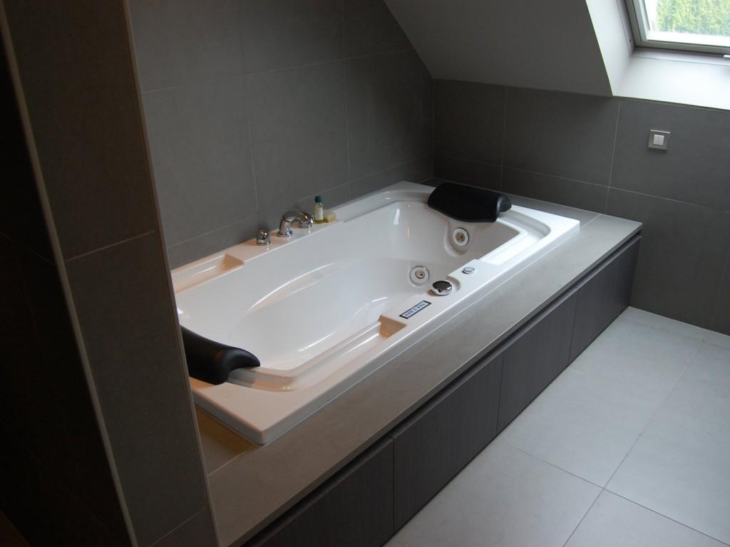 Mijn badkamer studio picobello - Foto in een bad ...